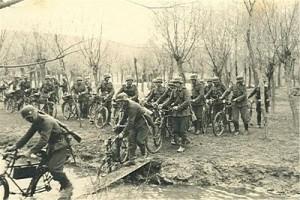 German bike infantry WW2  Photo ipernity.com