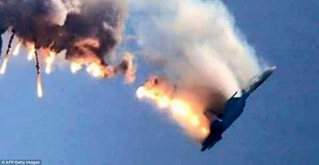 Photos-Of-Russian-Sukhoi-Su-24-Jet-Shot-Down-By-Turkish-F-16-dead-in-flame-650x337