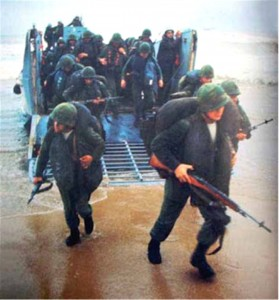 2-9 Marines land at Danang, July 4, 1965